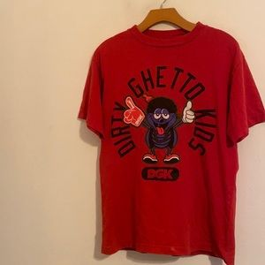 DIRTY GHETTO KIDS RED GRAPHIC SHIRT MEDIUM
